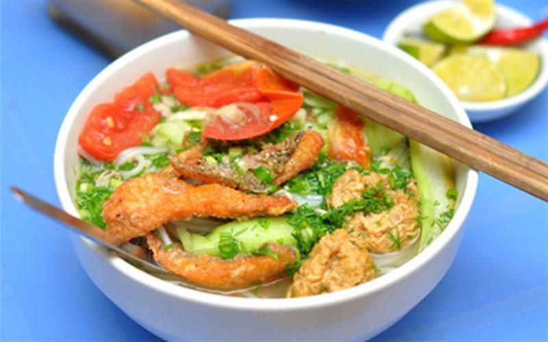 Bún cá rô đồng ở đâu cũng có, nhưng để nói đến nguồn gốc món ăn này và thưởng thức chuẩn vị gốc thì thực khách nhất định phải đến Hải Dương.