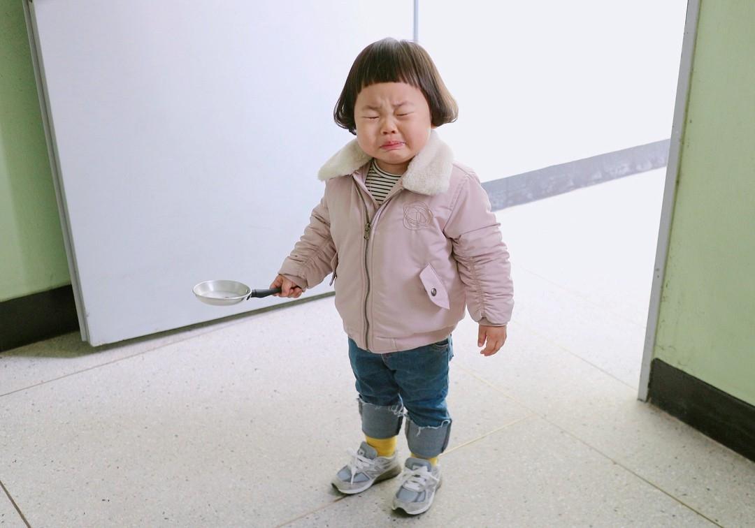 meo danh lac huong nhung con an va cua tre khi phai o nha trong con lien tuc