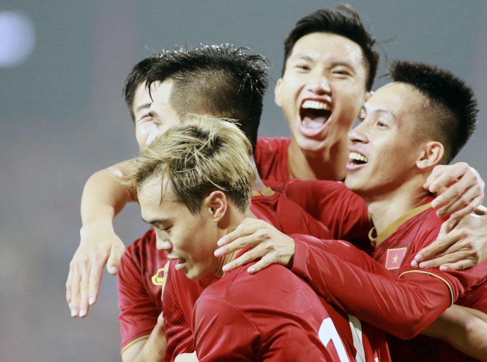 bao trung quoc muc tieu du world cup khong phai la mot giac mo vien vong cua bong da viet nam