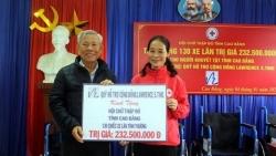Lawrence S.Ting trao 130 xe lăn cho người khuyết tật tỉnh Cao Bằng