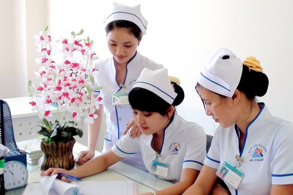 nhat ban trao 100 co hoi cho nu thuc tap sinh ho ly