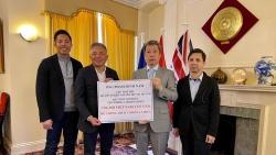 Việt kiều Anh ủng hộ 1 tỷ đồng giúp Việt Nam chống COVID-19