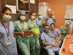 Cộng đồng người Việt tại Pháp tặng nhiều suất ăn giúp các bác sĩ chống dịch COVID-19
