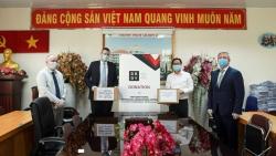 Hiệp hội Doanh nghiệp Anh tại Việt Nam (BBGV) trao hơn 500 triệu đồng giúp Việt Nam chống COVID-19