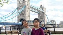 Đại sứ Gareth Ward viết thư cảm ơn hai chị em Việt Nam tặng 20.000 khẩu trang giúp Anh chống COVID-19