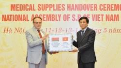 Chính phủ Việt Nam tặng 20.000 khẩu trang y tế giúp Belarus chống COVID-19