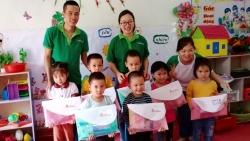 ChildFund Việt Nam trao tặng đồ dùng học tập và thiết bị y tế phòng chống dịch COVID-19 cho Cao Bằng, Bắc Kạn, Hòa Bình
