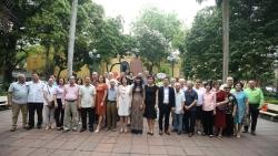 Dâng hoa kỷ niệm 130 năm ngày sinh Chủ tịch Hồ Chí Minh và 125 năm ngày mất của Jose Marti Perez