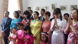 Khai trương phòng trưng bày ảnh về Chủ tịch Hồ Chí Minh tại Rumani nhân kỷ niệm 130 năm ngày sinh của Người