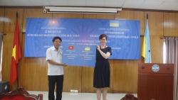 Hội hữu nghị Việt Nam-Ukraina trao 5.000 khẩu trang và 332 triệu đồng giúp nhân dân nước bạn chống COVID-19