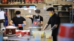 Quán ăn Việt tài trợ 80 suất ăn/ngày giúp các y bác sĩ tuyến đầu tại Liên bang Nga chống COVID-19