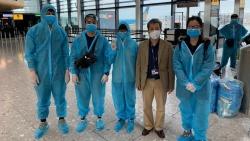 Đưa gần 340 công dân Việt Nam từ Anh Quốc về nước an toàn