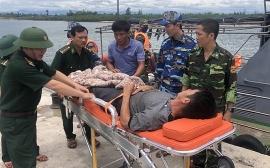 Biên phòng Quảng Trị cứu hộ kịp thời thuyền viên bị đau ruột thừa trên biển