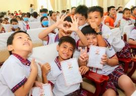 ChildFund cùng các đối tác trao tặng 1.000 phần quà cho trẻ em 4 tỉnh Việt Nam