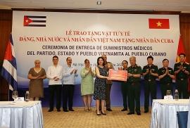 Bộ Quốc phòng trao tặng 3 tấn vật tư y tế giúp Cuba vượt COVID-19