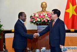 Việt Nam sẵn sàng chia sẻ kinh nghiệm phòng, chống COVID-19 với Angola