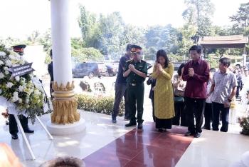Đại sứ quán Việt Nam tại Lào dâng hương tưởng niệm 73 năm ngày Thương binh liệt sỹ