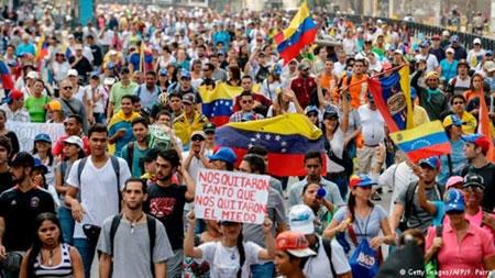 Khủng hoảng kinh tế ở Venezuela