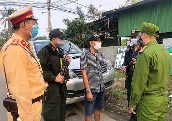 Đà Nẵng phát hiện xe chở 3 người Trung Quốc nhập cảnh trái phép