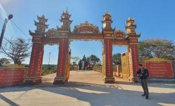 Đầu xuân ở chùa làng