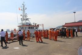 Cấp cứu ngư dân bị nạn gần đảo Tri Tôn ở Hoàng Sa
