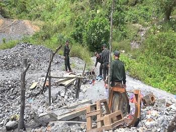 Quảng Nam: Đánh sập nhiều hầm vàng trái phép
