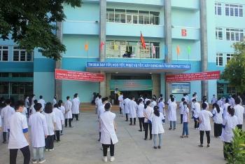 Đoàn cán bộ, sinh viên Đại học Kỹ thuật Y - Dược Đà Nẵng lên đường hỗ trợ Bình Dương và Phú Yên