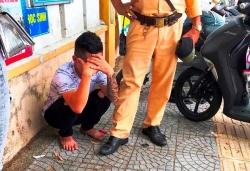 Thanh niên xăm trổ lao thẳng xe máy vào tổ CSGT ở Đà Nẵng