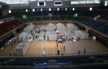 Cận cảnh bệnh viện dã chiến điều trị COVID-19 đang thần tốc xây dựng ở Đà Nẵng