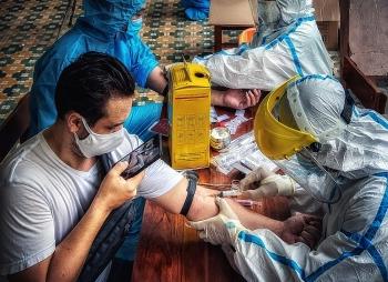 Người nước ngoài tại Đà Nẵng được xét nghiệm Covid-19 miễn phí