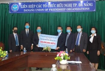 Tổng Lãnh sự quán Trung Quốc tại Đà Nẵng trao 200 triệu đồng ủng hộ phòng chống dịch Covid-19