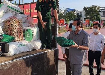Người dân Quảng Nam gom rau, góp gạo hỗ trợ Đà Nẵng