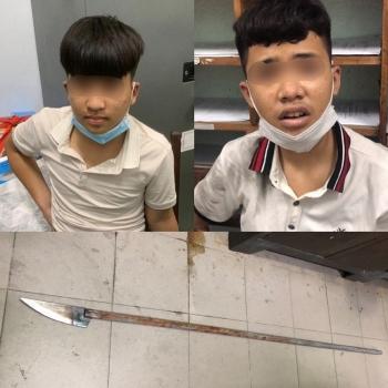 Đà Nẵng: Nổ súng trấn áp nhóm đối tượng mang phóng lợn chống đối lực lượng chức năng