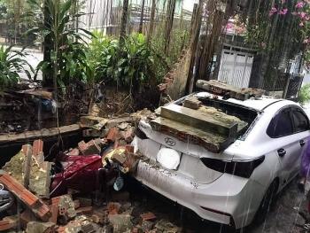 Đà Nẵng trong bão số 5: Sấm chớp, nước ngập, cây đổ ở nhiều nơi