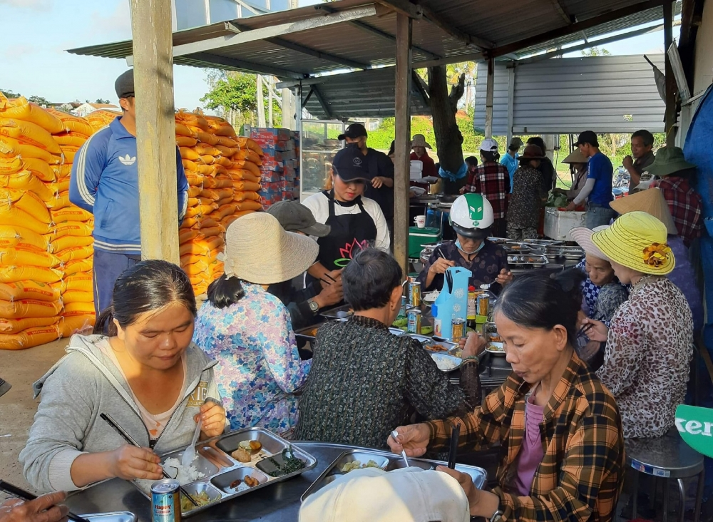 Quán cơm chay 5.000 đồng giúp hàng trăm người nghèo no bụng mỗi ngày ở Đà Nẵng