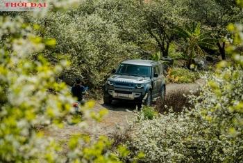 """Cùng Land Rover Defender khám phá """"thiên đường mận"""" Nà Bó"""
