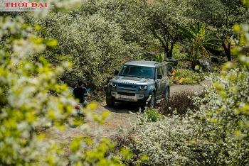 Land Rover Defender chiến thắng giải mẫu xe phụ nữ yêu thích nhất thế giới năm 2021