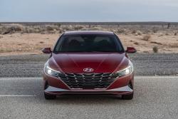 Hyundai giới thiệu Elantra 2021 với nhiều cải tiến vượt bậc