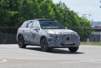Mercedes-Benz GLC 2022 lần đầu lộ diện trên đường thử