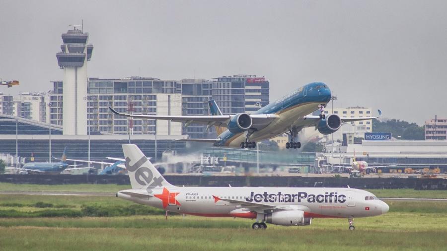 vietnam airlines jetstar dan dau ve cham huy chuyen bay trong thang 72019