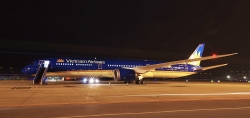 sieu may bay boeing 787 10 dreamliner dau tien ve viet nam