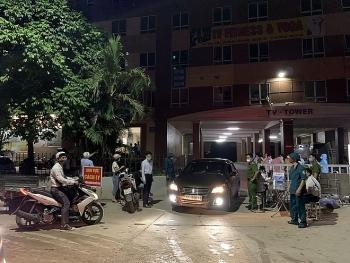 Hà Nội: Phong tỏa 2 tòa chung cư gần 500 hộ vì COVID-19
