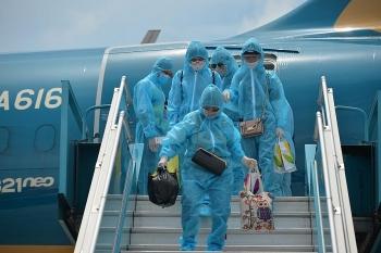 Hơn 200 công dân mắc kẹt Đà Nẵng về đến Hà Nội