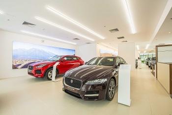 Ảnh: Chi tiết Jaguar E-Pace R-Dynamic S có giá hơn 3,3 tỷ đồng tại Việt Nam