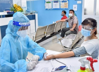 TP.HCM dự kiến 15/9 hoàn thành tiêm chủng vaccine, 'quét' hết F0