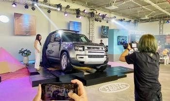 Land Rover Defender thế hệ mới ra mắt khách hàng Việt Nam, giá từ 3,855 tỷ đồng