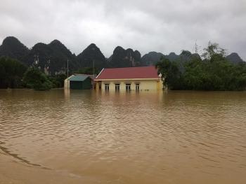 Vẫn còn 14 người mất tích sau những trận mưa lũ tại Trung bộ