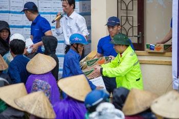 Nhiều hoạt động ý nghĩa hướng về đồng bào miền Trung