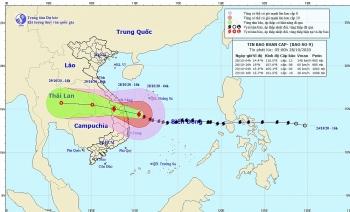 Bão số 9 (Molave) cách Phú Yên 180km, gió giật cấp 16