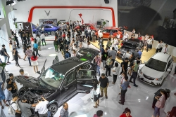 Giảm giá, tặng phí trước bạ giúp thị trường ô tô trong nước tăng vọt